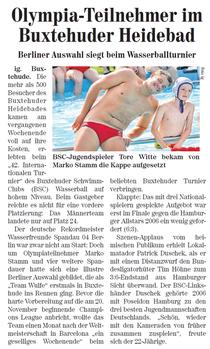 BSC-Jugendspieler Tore Witte bekam von Marko Stamm die Kappe aufgesetzt. Neue Buxtehuder Wochenblatt vom 11.09.2013