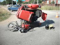 «Cемерка» протаранила мотоциклиста