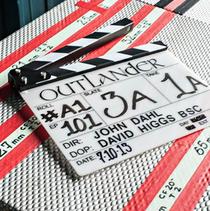 Q: www.facebook.com/OutlanderTVSeries.starz