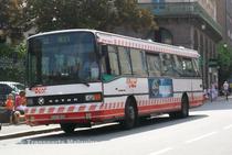 Le Kassbohrer S215SL n°53 du réseau Saint-Malo Bus sur la ligne 12 à Alet.