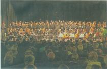 Feiert 30-jähriges Bestehen: Der Cornelius-Burgh-Chor des Heimatvereins der Erkelenzer Lande. Das Foto zeigt den Chor bei der Aufführung von Bachs Weihnachtsoratorium am 12. Dezember 2010. Foto: Chor