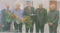 Hermann-Josef Knur und Harald Rose wurden mit Auszeichnungen aus dem Vorstand verabschiedet. Es gratulierten Paul Schulte (Landesverband) sowie Heinz Musch und Johannes von den Borst für den Kreisvorstand.   foto: kn