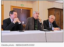 Signature de la convention entre le Conseil général et l'ACAIS en présence de son président A.Cartel