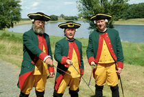 Die ersten drei Uniformierten