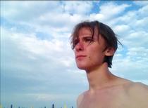 Junge Mann Strand Italien blauer Himmel Adria