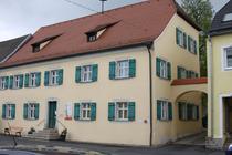 Eingang zum Cafe Miteinand - Torbogen rechts