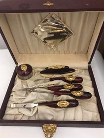 Set da manicure con uncino agganciabottoni  epoca Vittoriana