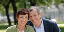Die Paartherapeuten Sabine und Roland Bösel wollen nach 30 Jahren Ehe nur weitergeben, was sie selbst leben. Foto:Stefan Liewehr
