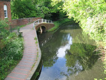 The Stratford Canal at the Alcester Road looking east from the bridge at Millpool Hill. © Copyright David Stowell and licensed for reuse under a Creative Commons Licence.Geograph OS reference SP0779 - see Acknowledgemnts for a link to that website.