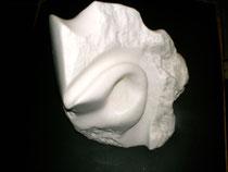Lauscher  2006; Speckstein weiss; Grösse BxH  20x21 cm