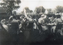 Garten - Bridge Party ca. 1920