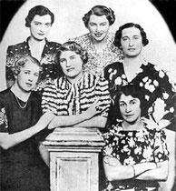 1937 World Championship: Rixi Scharfstein (Markus)   Marianne Boschan, Gertie Brunner, Ethel Ernst, Elizabeth Klauber, Gertie Schlesinger
