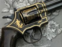 Colt Python mit Goldeinlagen