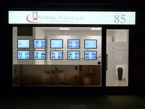 Unser Büro in der Hildesheimer Str. bei Nacht.