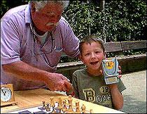 Photo Schul-Schach 2010 mit J.J. Segginger und Jason Frölich