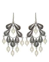 E1018 white pearl