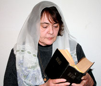 reading woman1