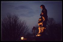 """Die Statue """"Buten Bleven - Verlorene Seemänner"""""""