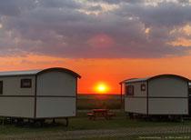 Pipowagen bei Sonnenuntergang