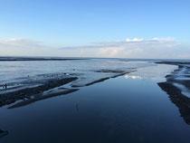 Einsamer Strand in Dornumersiel im Herbst