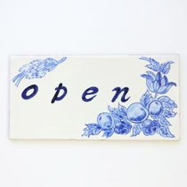 No.218  open    (20×10cm) 8,500円