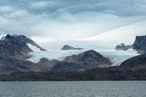 Gletscher unterwegs mit der Arctic Umiaq Line