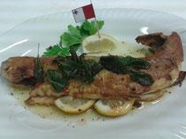 Malta~mit Zitronen gefüllt unter leichter Salbeibutter