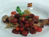 Spanien~unter gebratener Chorizo mit Kirschtomaten