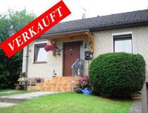 Gemütliches Häuschen in Seenähe mit ca. 80 qm Wohnfläche auf ca. 600 qm Grundstück in ruhiger Dorflage mit Winterblick auf den Belauer See   Angeboten zu einem Kaufpreis von: EUR 128.000