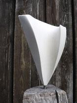 """""""FLORA""""     Sandstein auf Eichensockel    25cm/155cm"""