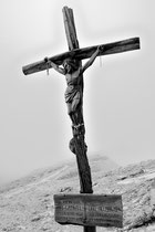 Gedenkkreuz auf dem Lagazuoi (Dolomiten)