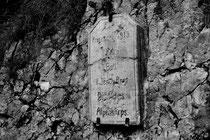 Gedenktafel des Deutschen Alpenkorps (Nähe Marmolata / Dolomiten)