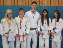 Die stolzen Sieger: von links Chiara-Sue Pätzold, Johannes Koschel, Björn Griemsmann, Lena Dobrocky und Valeria Huffmann
