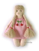 Девочка, рост 12 см. Цена одной игрушки: 350 руб. Цена комплекта из пяти мини-игрушек: 1650 руб.