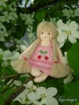 Вишенка, куколка сделана из натуральных материалов, 12 см.