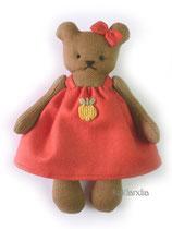 Мишка, рост 12 см. Цена одной игрушки: 350 руб. Цена комплекта из пяти мини-игрушек: 1650 руб.