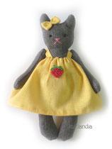 Кошка, рост 12 см. Цена одной игрушки: 350 руб. Цена комплекта из пяти мини-игрушек: 1650 руб.