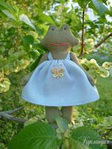 Лягушка, натуральная игрушка, 12 см.