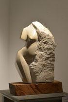 weiblicher Torso, Untersberger Marmor, Höhe: 45 cm