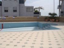 Grande piscine côté droit