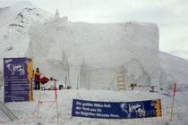 Die weltgrößte Milka-Kuh im Schigebiet Silvretta Nova im Hochmontafon