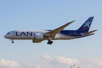 FRA 27.09.2014; CC-BBF LAN Boeing 787-8