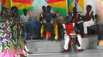 Groupo MAMY di dansa tradizionale nel Centro Culturale HANN