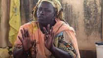 Ndeye DIENG, micro venditrice di pesce, segretaria generale e presidente delle cellule femminili del CNPS (Collettivo Nazionale dei Pescatori Artigianali del Senegal), KAYAR