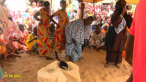 La sacertodessa BINTA, durante il rituale Ndoep à Yoff