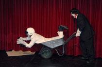 Pantomimische Moderatoren: Bernhard Oppl und Herbert Walzl
