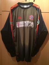 02/03 DFB Pokalfinale Spielertrikot von Oliver Kahn vorne