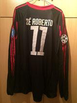 05/06 Champions League Spielertrikot von Zé Roberto hinten