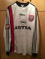 97/98 Bundesliga away Spielertrikot von Lothar Matthäus (Astra) vorne