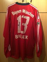02/03 Bundesliga Derby Spielertrikot von Michael Ballack hinten